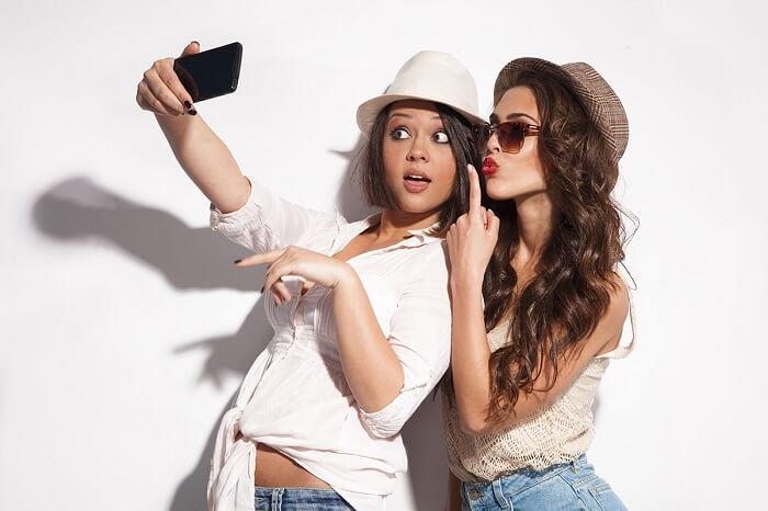 selfie-la-gi-5-buoc-chup-anh-selfie
